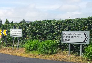 Irish road signs. Which way?